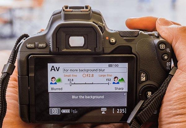 A Canon 200D é muito fácil de usar